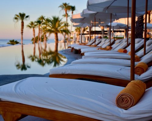 sun-loungers-towels